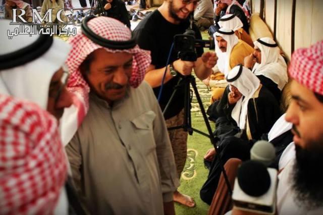 Irak 14 tribus juran lealtad a ISIS (6)