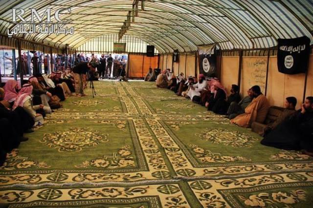 Irak 14 tribus juran lealtad a ISIS (7)