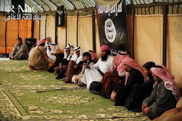 Irak 14 tribus juran lealtad a ISIS (8)