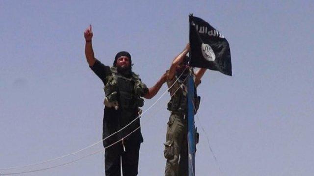 Boukmal muyahidines JaN se unen al ISIS