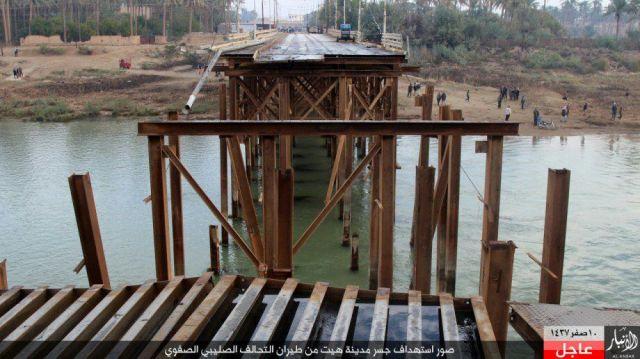 Puente bombardeado en Hit 23-11-15